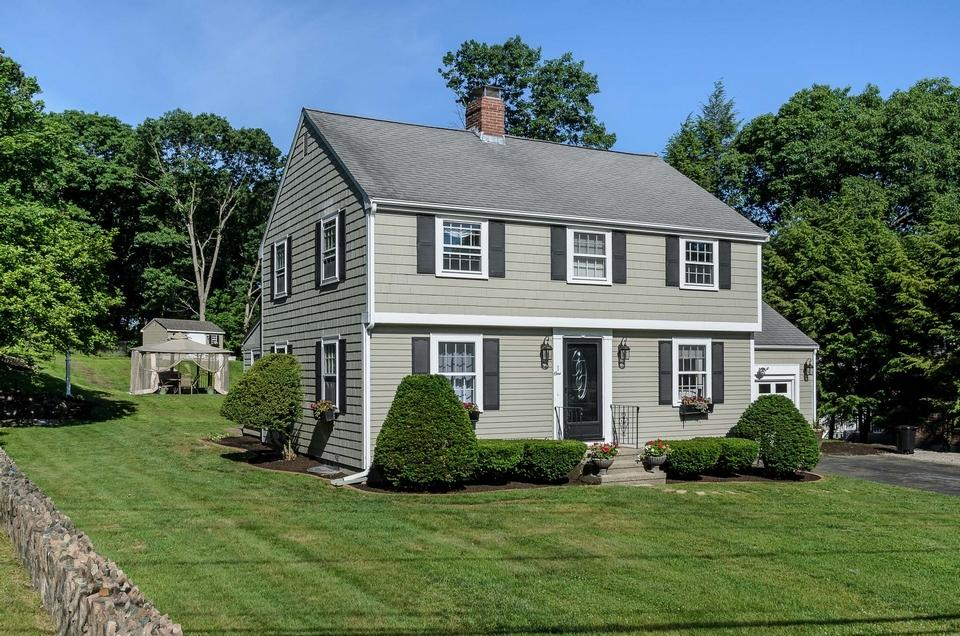 Wellesley Home of the Week